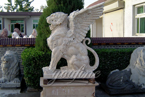 Winged natural marble lion statue for outdoor