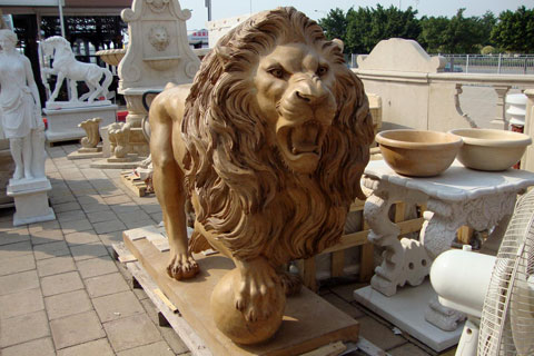 Large concrete roaring garden lion statues for sale